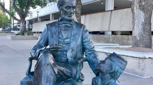 Statue of Pres. Abraham Lincoln outside the courthouse